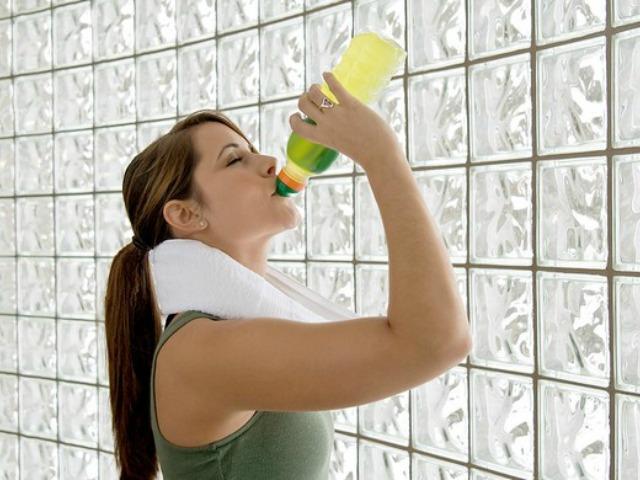 Bebida isotônica deve ser usada com moderação (Foto: Divulgação)