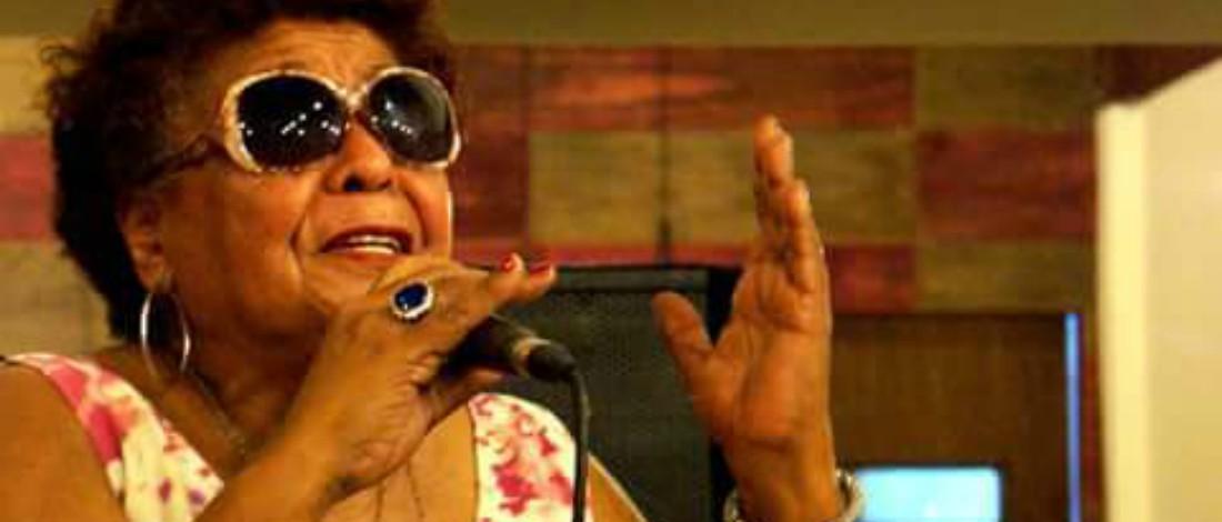 Morre a cantora Naia Mariano