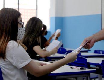 Resolução da Seeduc determina aulas 100% presenciais na rede estadual de ensino